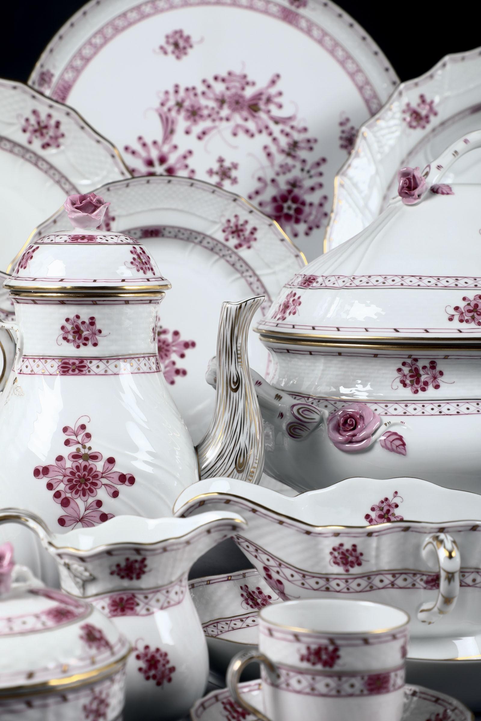"Lot 14 - Servizio da tavola ""Waldstein rosa"" Herend, 1980 circa, - - Porcellana. Marca: [...]"