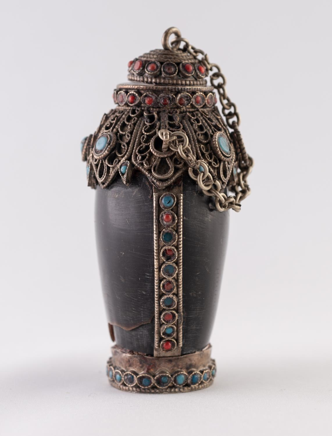 Lot 35 - A POSSIBLY HORN, WHITE METAL AND FAUX JEWEL ENCRUSTED SNUFF BOTTLE, with chain attached stopper