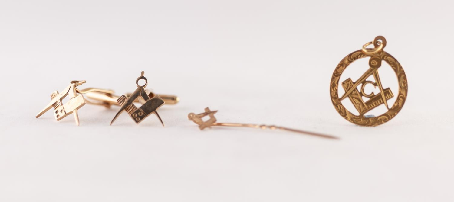 Lot 230 - PAIR 9ct GOLD MASONIC SQUARE AND COMPASS CUFFLINKS, A MASONIC STICK PIN AND A 9ct GOLD MASONIC