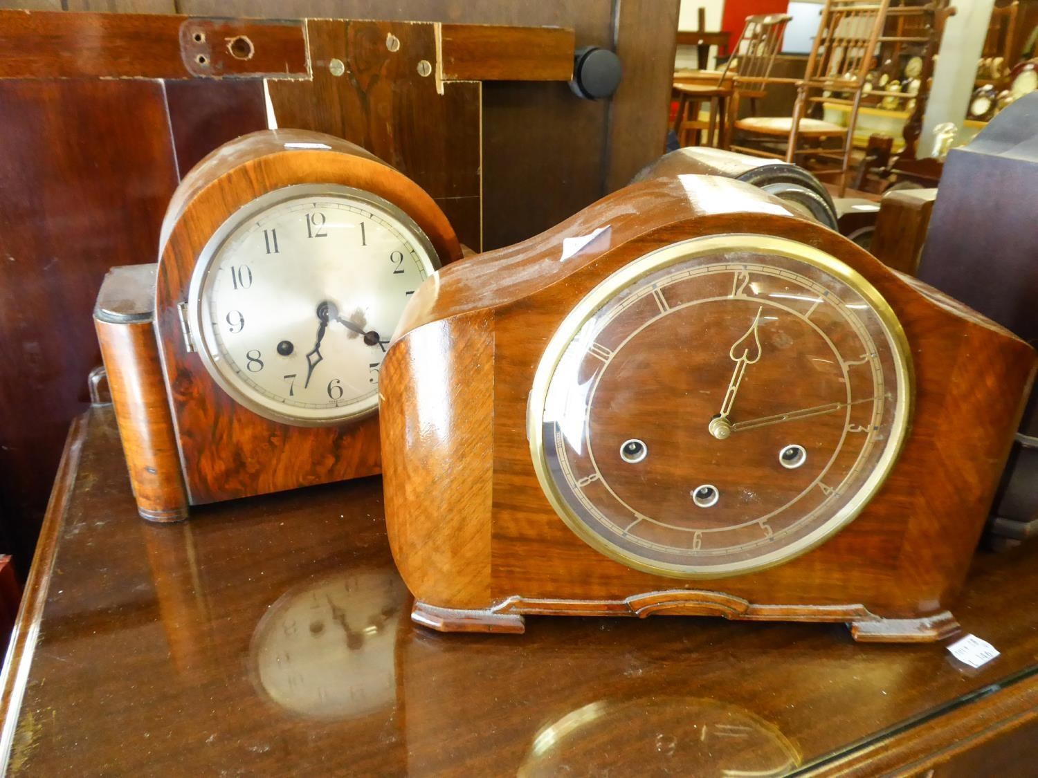 Lot 159 - SMITHS CIRCA 1940's WALNUT WOOD CASED MANTEL CLOCK WITH MOVEMENT STRIKING, CHIMING ON FOUR HOURS, 13