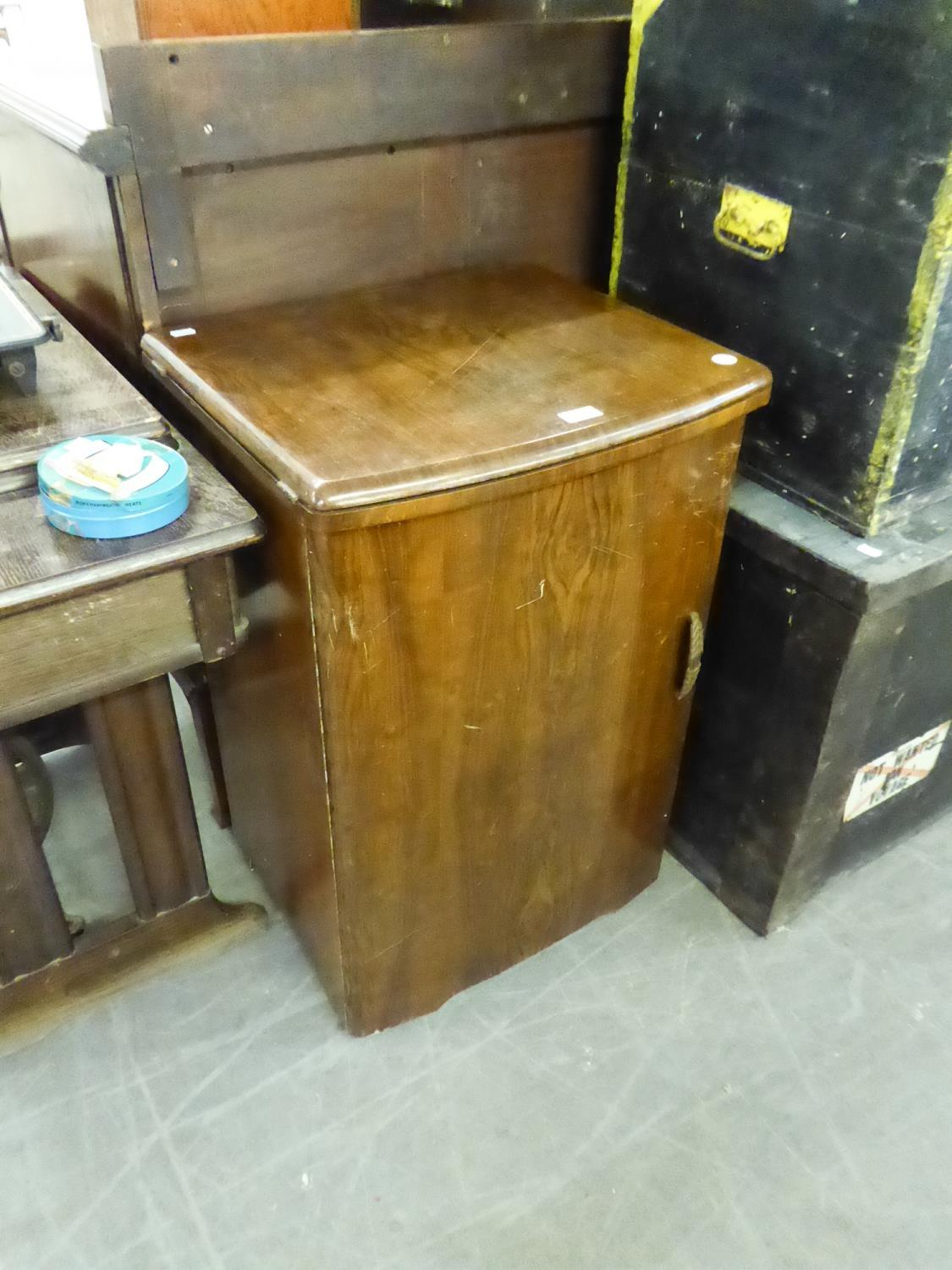Lot 73 - SINGER SEWING MACHINE in walnutwood cabinet AND ANOTHER SINGER SEWING MACHINE detached from oak base