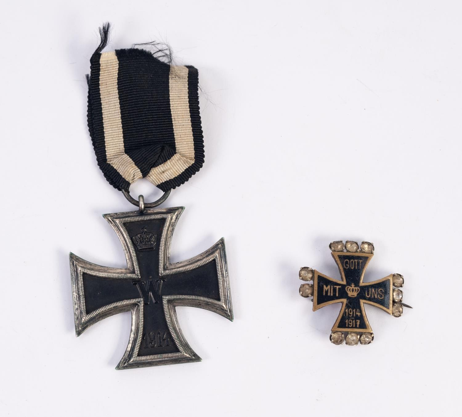 Lot 89 - GERMAN WORLD WAR I IRON CROSS SECOND CLASS 1914-18 with ribbon together with a SWEETHEARTS BRASS AND