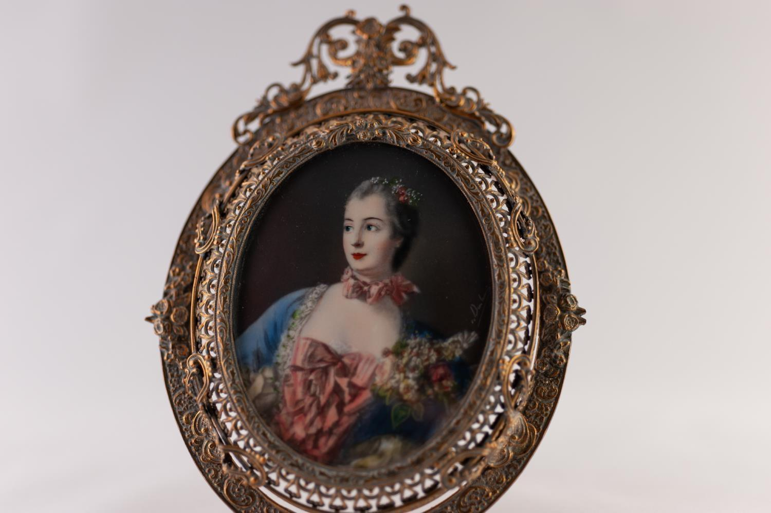 Lot 923 - A LATE 19TH CENTURY FRENCH PASTICHE OVAL PORTRAIT MINIATURE ON IVORY OF MADAM POMPADOR, contained in