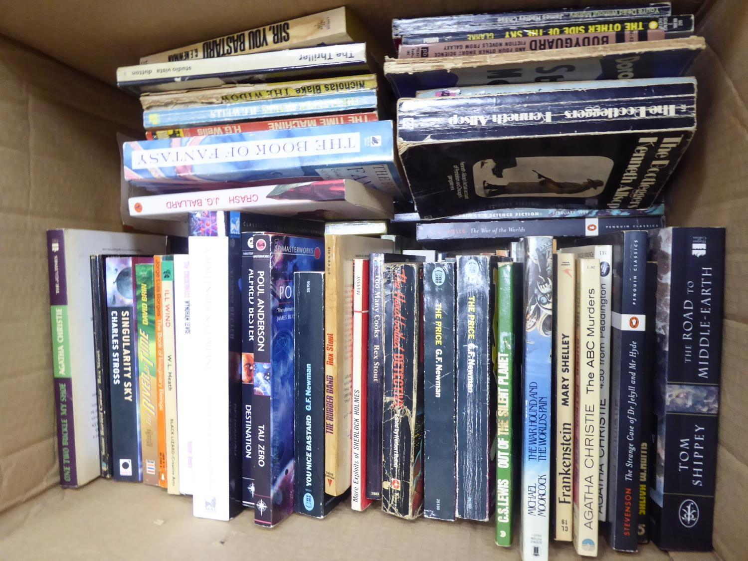 Lot 117 - VINTAGE AND MODERN PAPERBACK BOOKS- A quality selection of Fiction and Non Fiction, mixed genres,