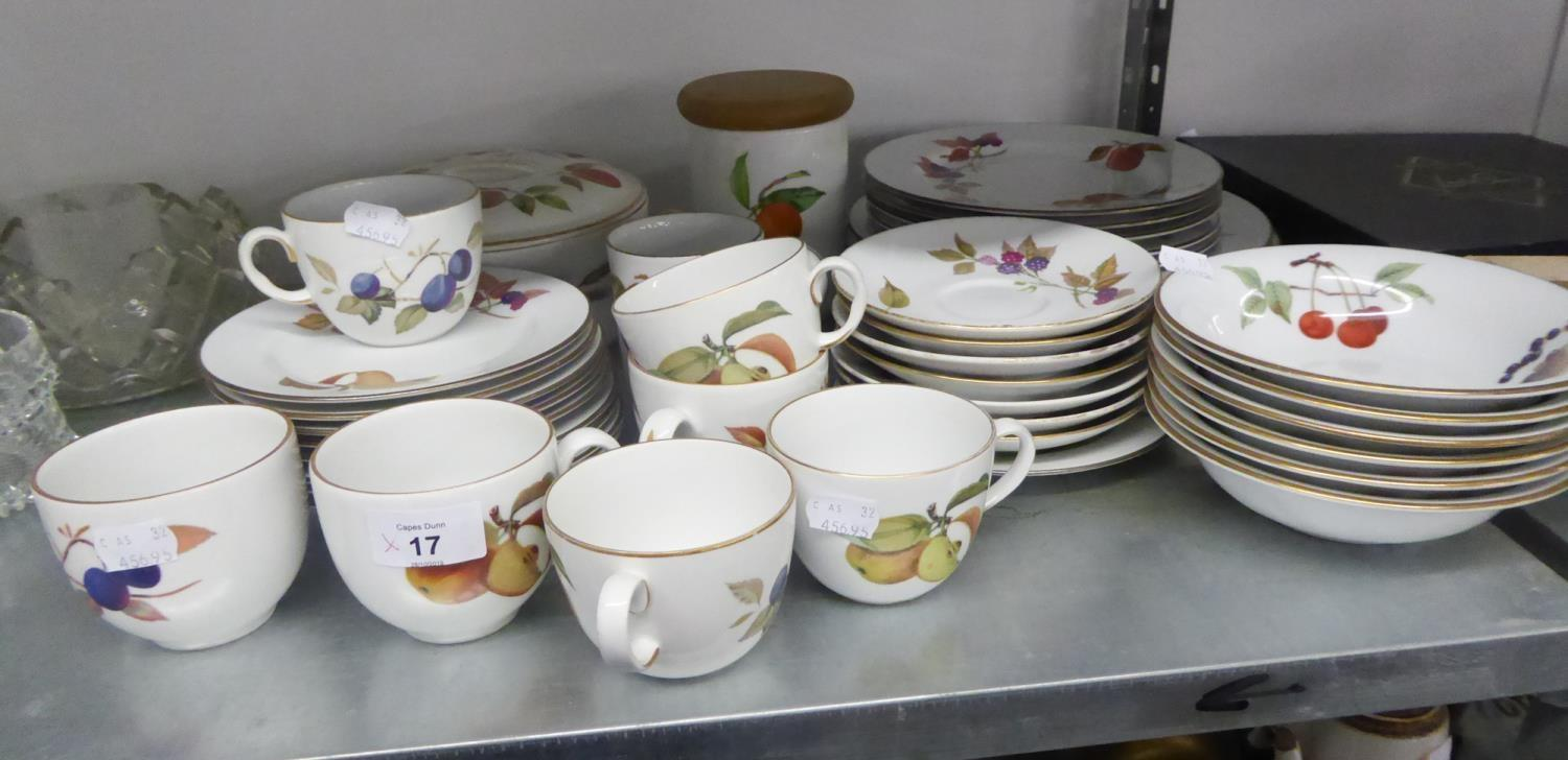 Lot 10 - ROYAL WORCESTER 'EVESHAM' PATTERN TEA AND DINNER WARES OF 42 PIECES