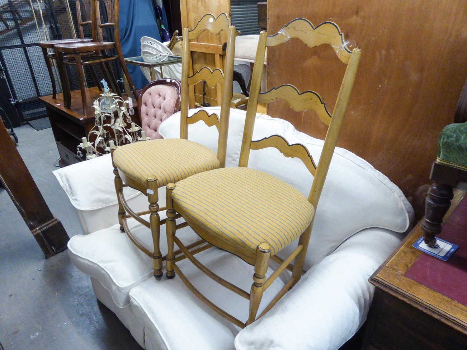 Lot 5 - A SET OF FOUR LIGHTWOOD DINING CHAIRS (4)