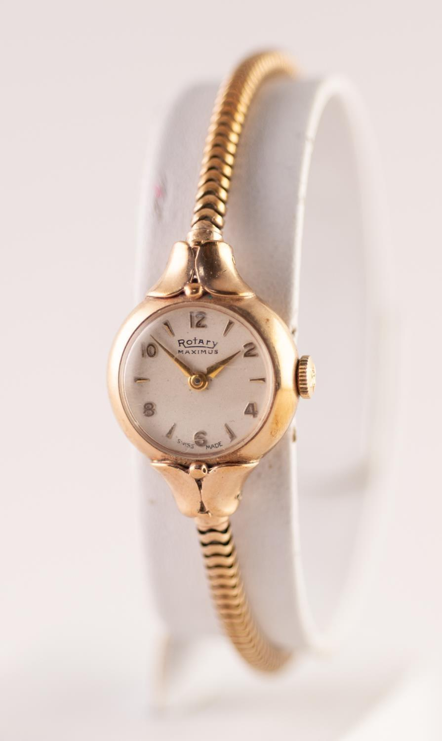 Lot 6 - A MID 20TH CENTURY LADIES 9CT GOLD CASED ROTARY MAXIMUS WRISTWATCH 21 jewel movement, numbered