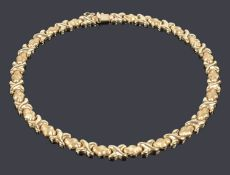 A contemporary Continental 14K gold necklace