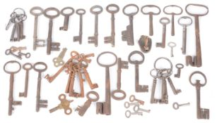 An assorted collection of 18th-20th century keys