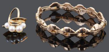 A Continental rose coloured fancy link expanding bracelet