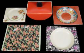 Royal Staffordshire Clarice Cliff Biarritz Bonjour shape tureen and cover; four Biarritz plates (5)