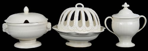 Three 20th century pieces of Wedgwood Queen's ware (3)