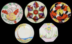 Five assorted Art Deco Clarice Cliff Bizarre plates (5)