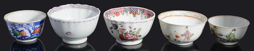 A late 18th / early 19th century Chinese famille rose porcelain tea bowl and four other tea bowls