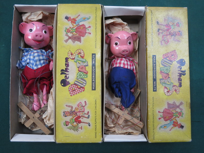 Lot 115 - PAIR OF BOXED PELHAM PUPPETS- PINKY AND PERKY