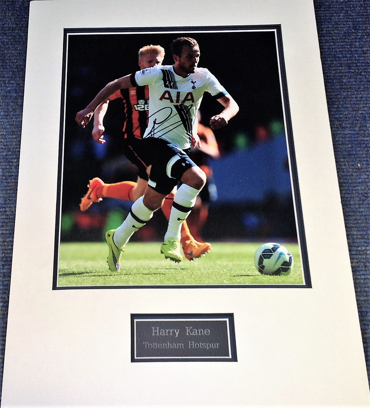 Lot 46 - Football Harry Kane 21x15 approx mounted signed colour photo pictured in action for Spurs. Harry