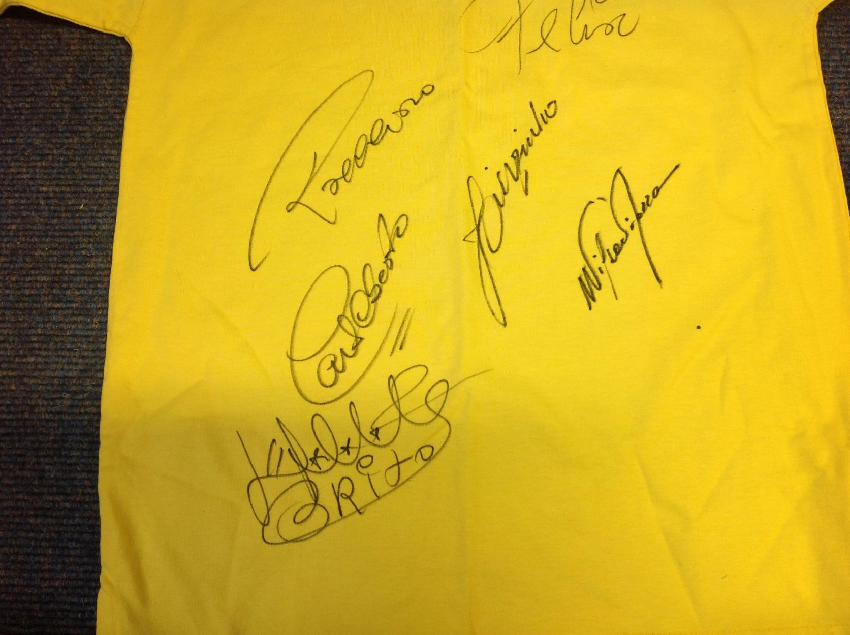 Lot 42 - Brazil Shirt signed 1970 replica shirt signed by 6 members of the 1970 world cup winning side