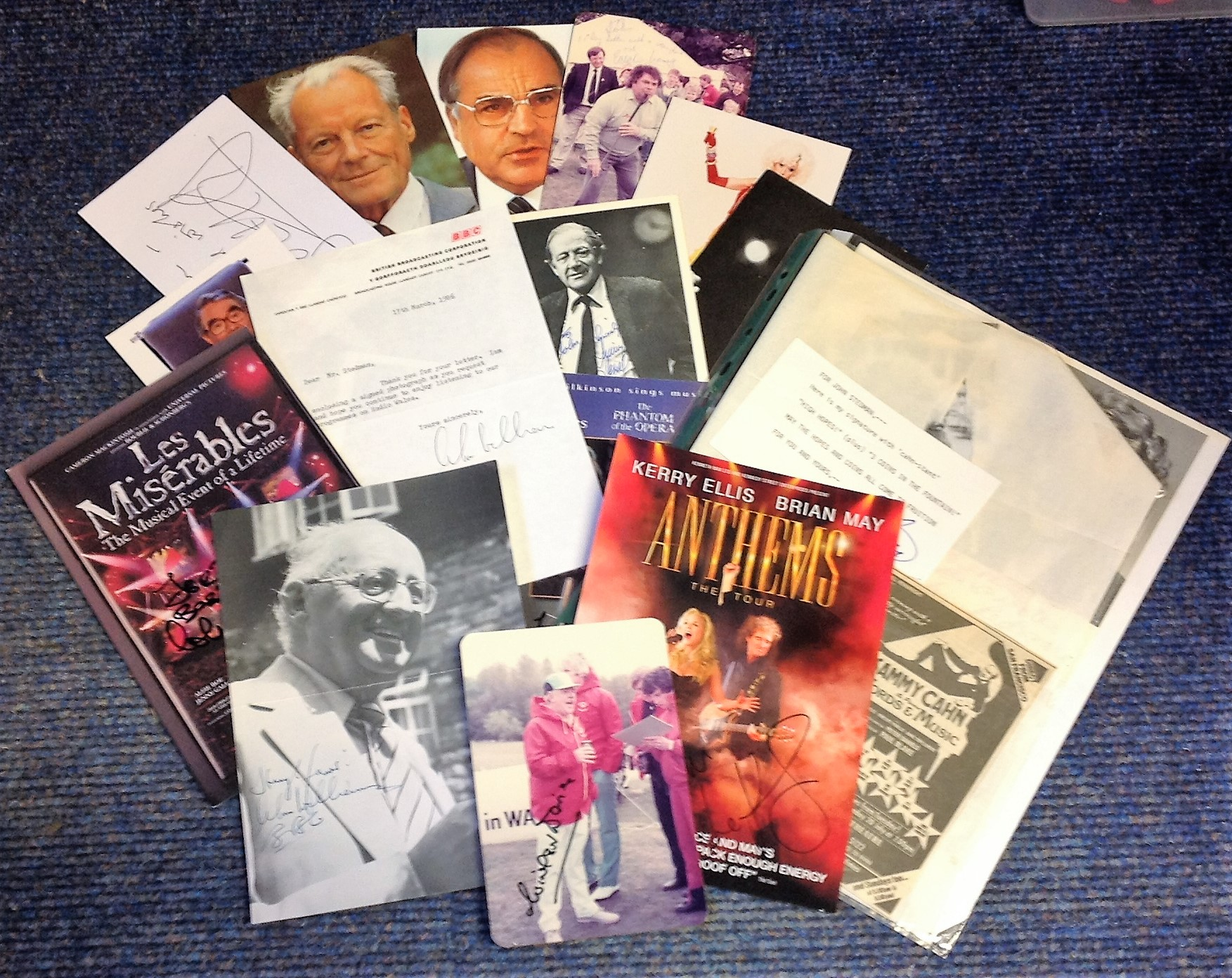 Lot 17 - Assorted TV/Music signed collection. 19 items. Assorted photos, flyers, signature pieces. Some of