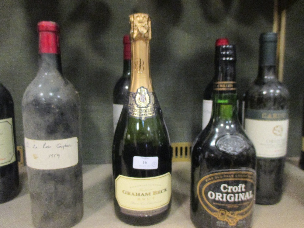 Lot 16 - Various bottles of port and wine to include Chateau Chillas 1985, Medoc 1981 etc (13)