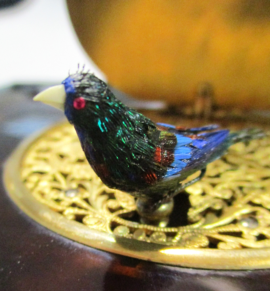 A late 19th century singing bird box automaton, French, circa 1890, possibly Bontems model number - Image 5 of 6