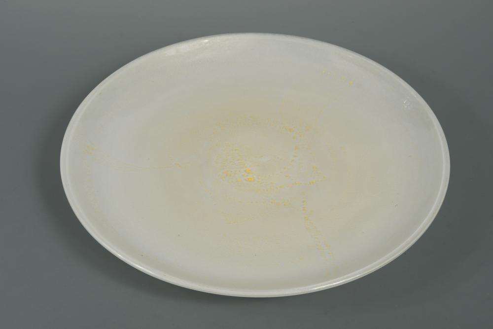 Lot 14 - A Barovier and Toso Murano glass charger, the white glass circular form with aventurine
