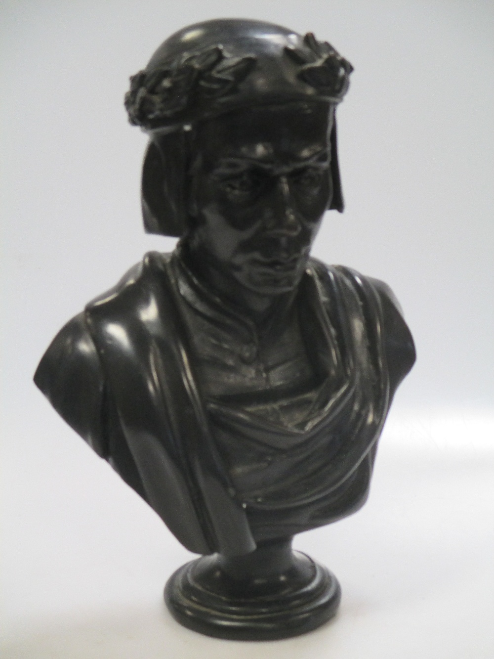 Lot 284 - A Bronze bust of a nobleman with laurel crown 30cm high