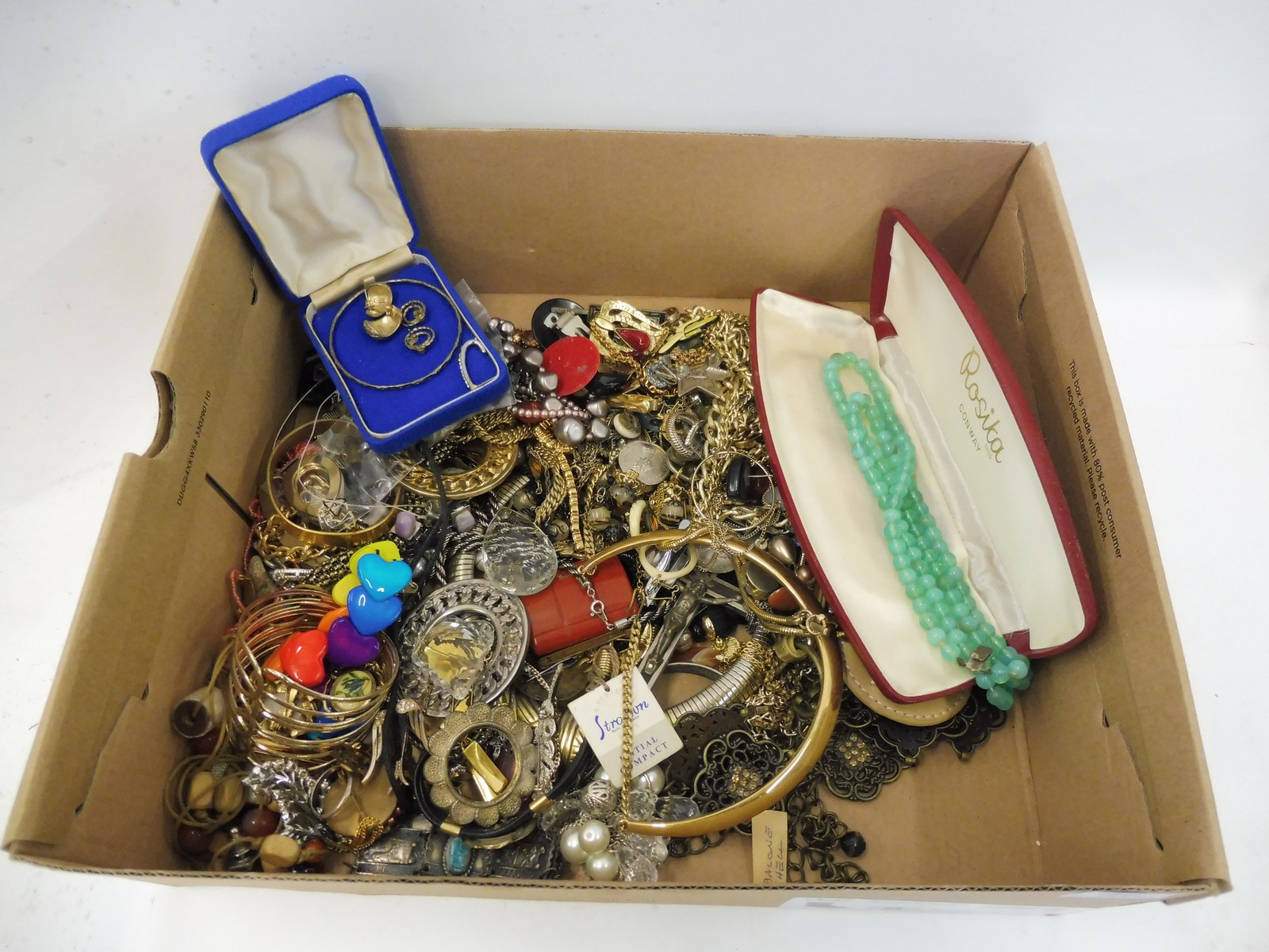 Lot 46 - A box of assorted costume jewellery.