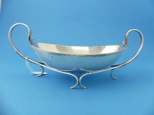 Lot 17 - A George V silver two handled Dish, by Hukin & Heath, hallmarked Birmingham, 1911, the dish of plain