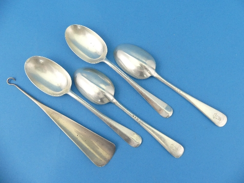 Lot 40 - A set of four George VI silver Dessert Spoons, hallmarked London, 1939, Rat Tail pattern, the