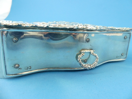 Lot 26 - An Edwardian silver Jewellery Box, by William Comyns, hallmarked London, 1903, in the form of a