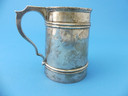 Lot 10 - Masonic Interest; A George V silver Mug, by James Deakin & Sons, hallmarked Sheffield, 1927, of