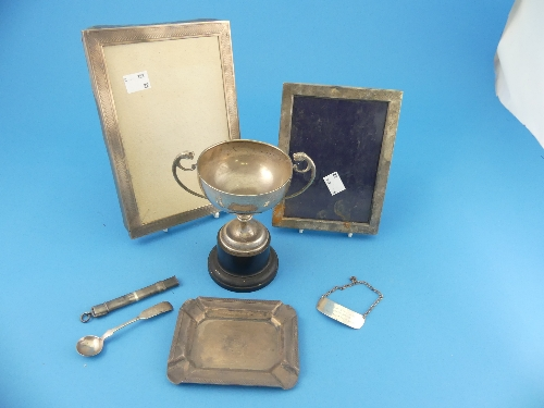 Lot 42 - A small quantity of Silver Items, including a propelling pencil by Sampson Mordan Ltd., hallmarked