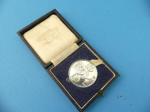Lot 22 - A small George V silver pedestal Bon Bon Dish, by Garrard & Co Ltd., hallmarked London 1921, of