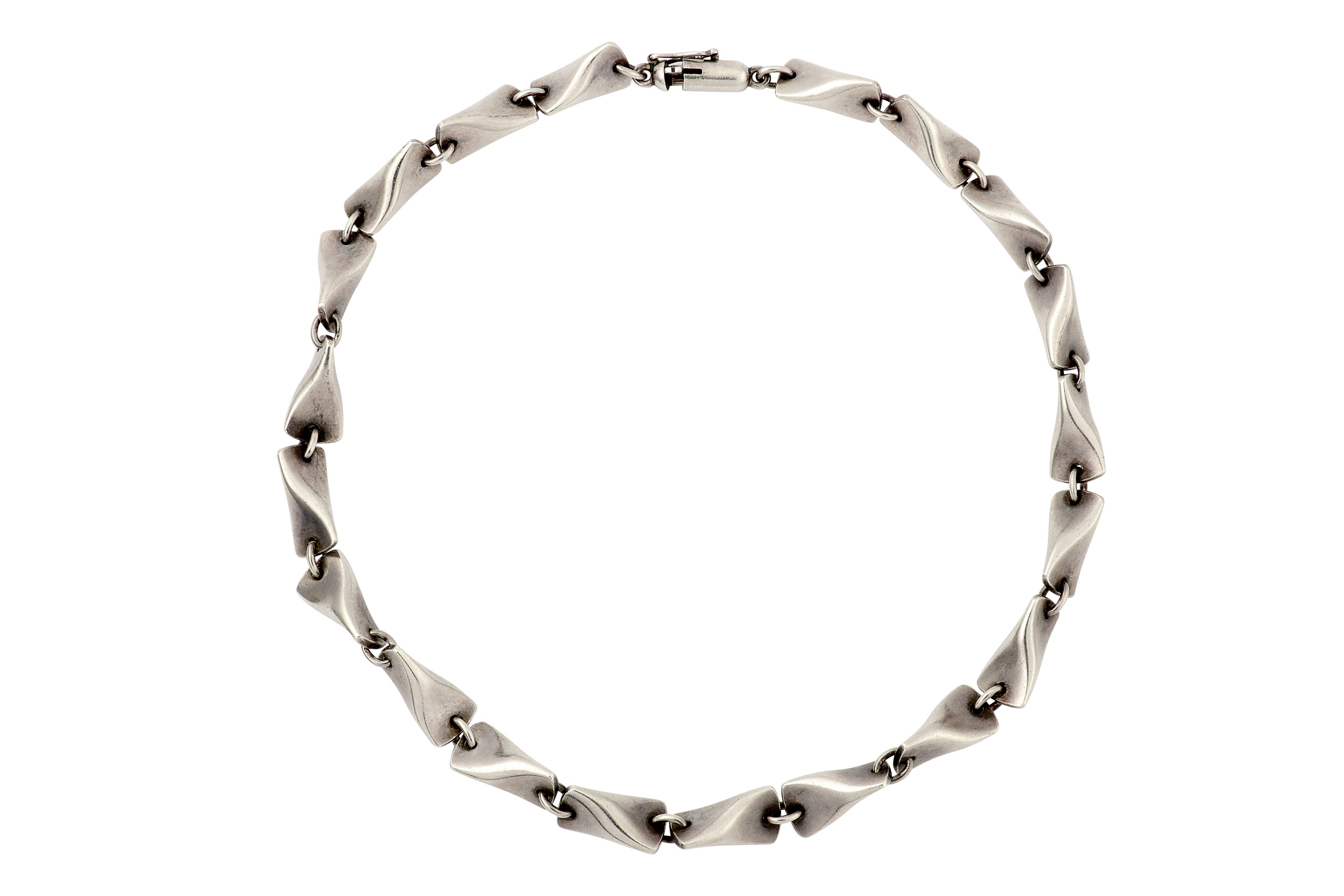 Lot 55 - A necklace and bracelet suite, by Kindt Larsen for Georg Jensen, circa 1950