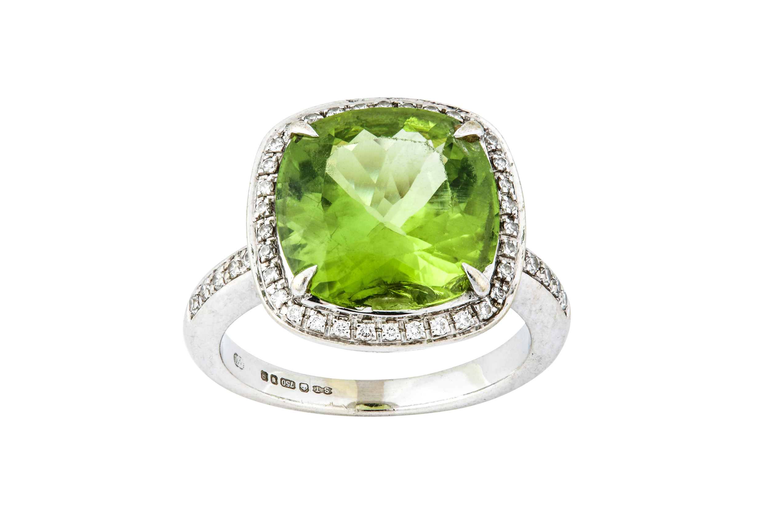 Lot 50 - A peridot and diamond cluster ring