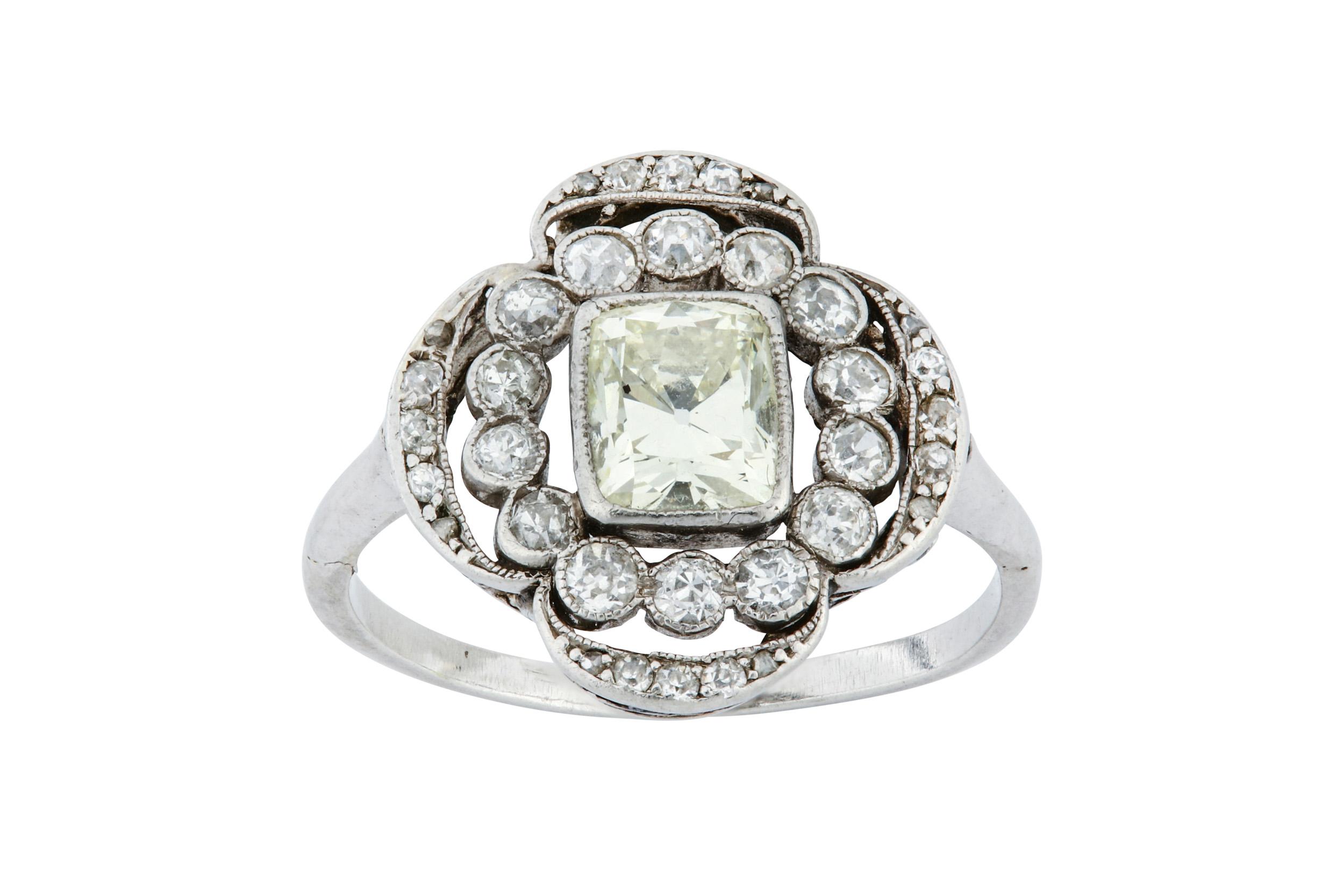 Lot 2 - A diamond cluster ring, circa 1910