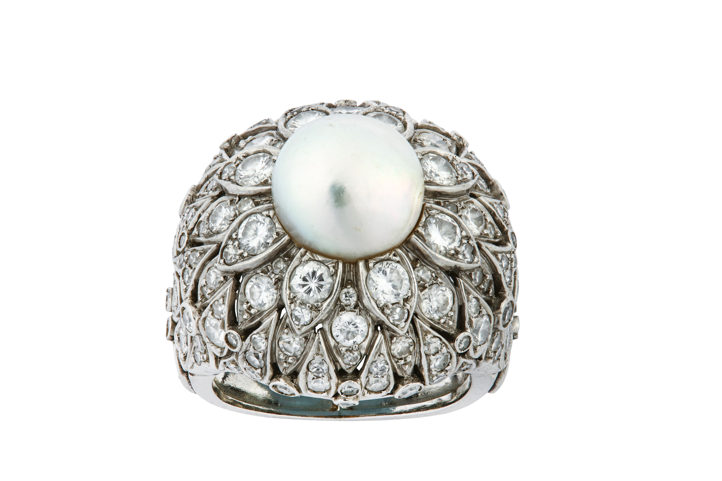Lot 32 - A natural pearl and diamond dress ring