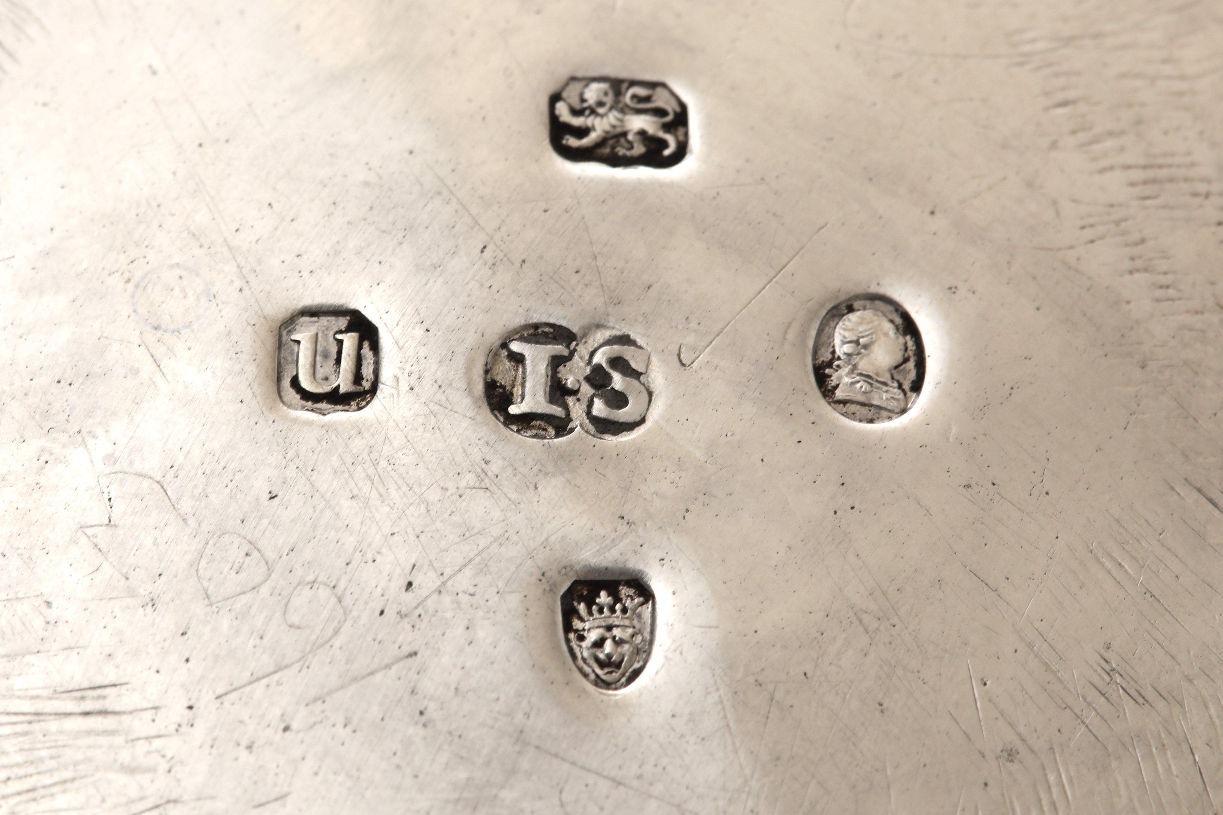 Lot 30 - A George III sterling silver coffee pot, London 1795 by John Schofield (reg. 13th Jan 1778)