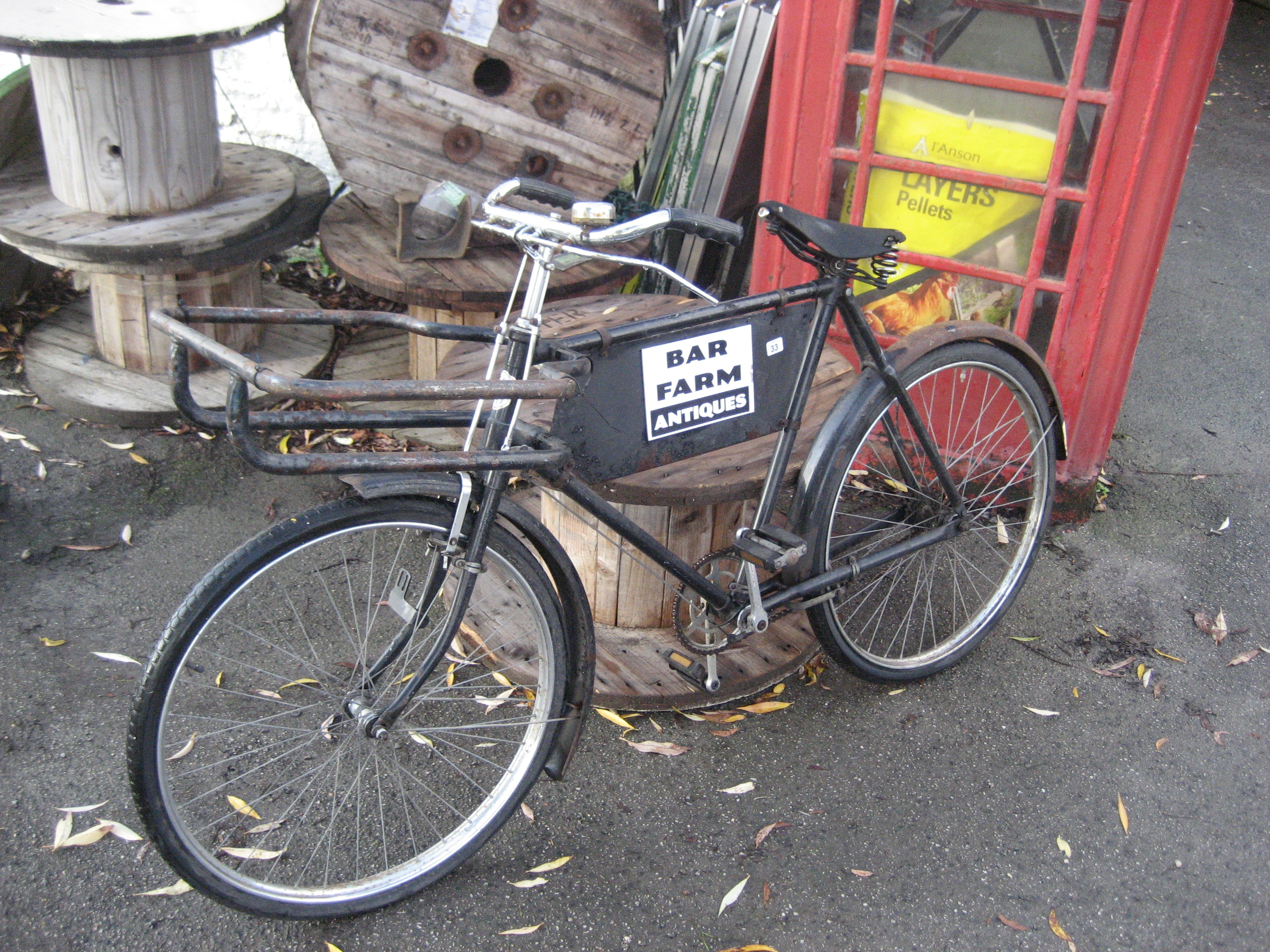 Lot 33 - BUTCHER~S BICYCLE