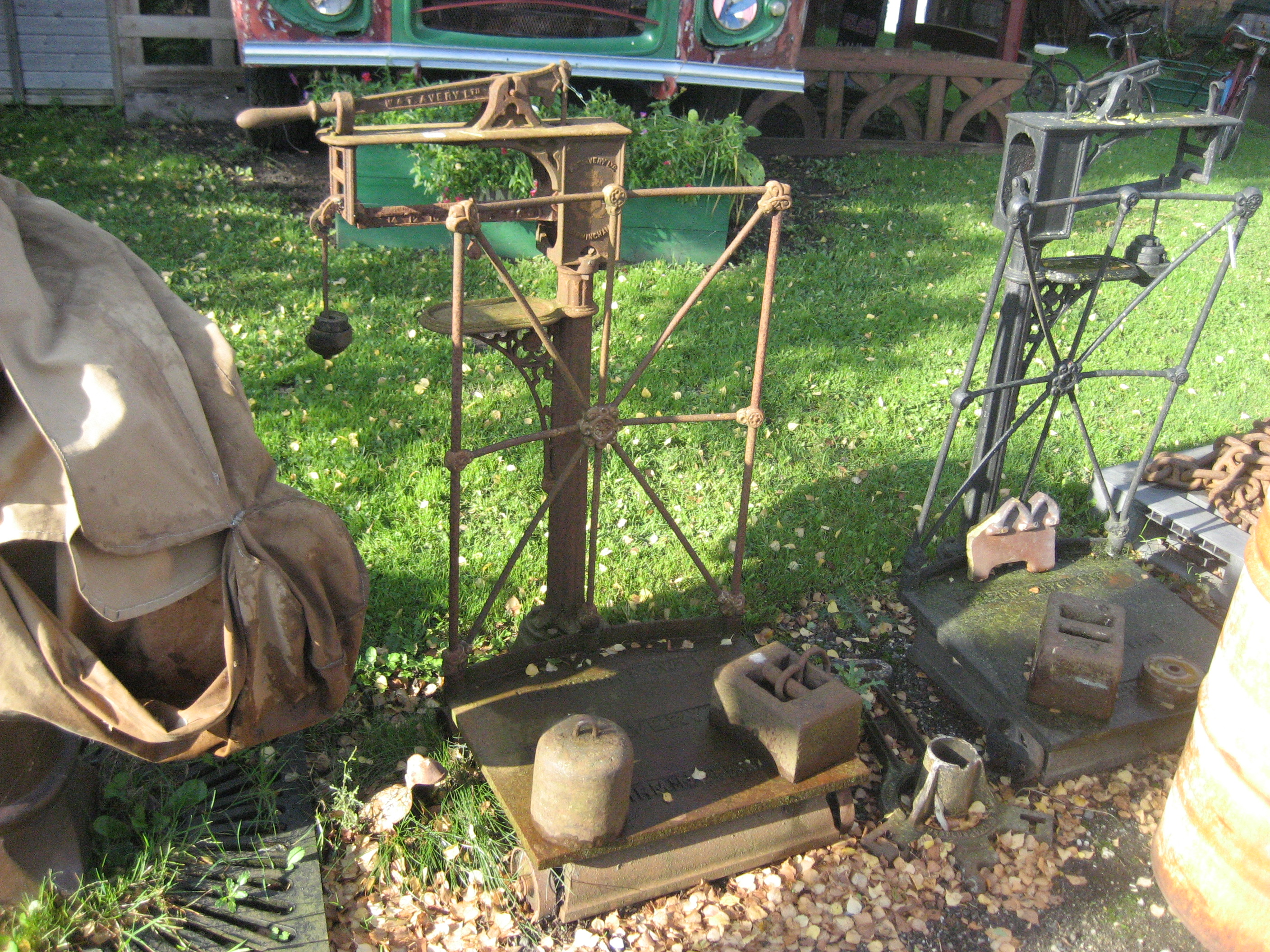 Lot 45 - WEIGHING SCALES