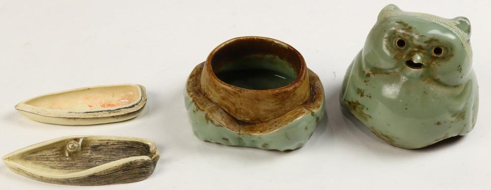 Lot 4048 - Japanese Celadon Censer, Incense Box