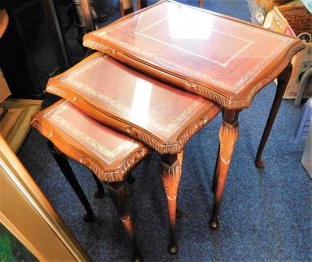 Lot 71 - A 20thC. nest of tables