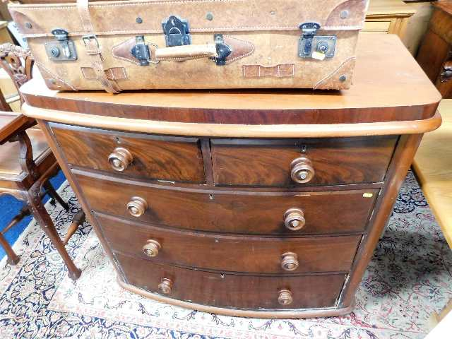 Lot 53 - A Victorian bow front chest of drawers