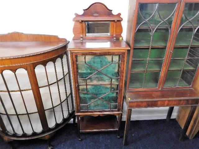 Lot 83 - A small mahogany china display cabinet