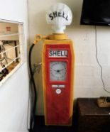 Lot 98 - A vintage reproduction Shell petrol pump with glas