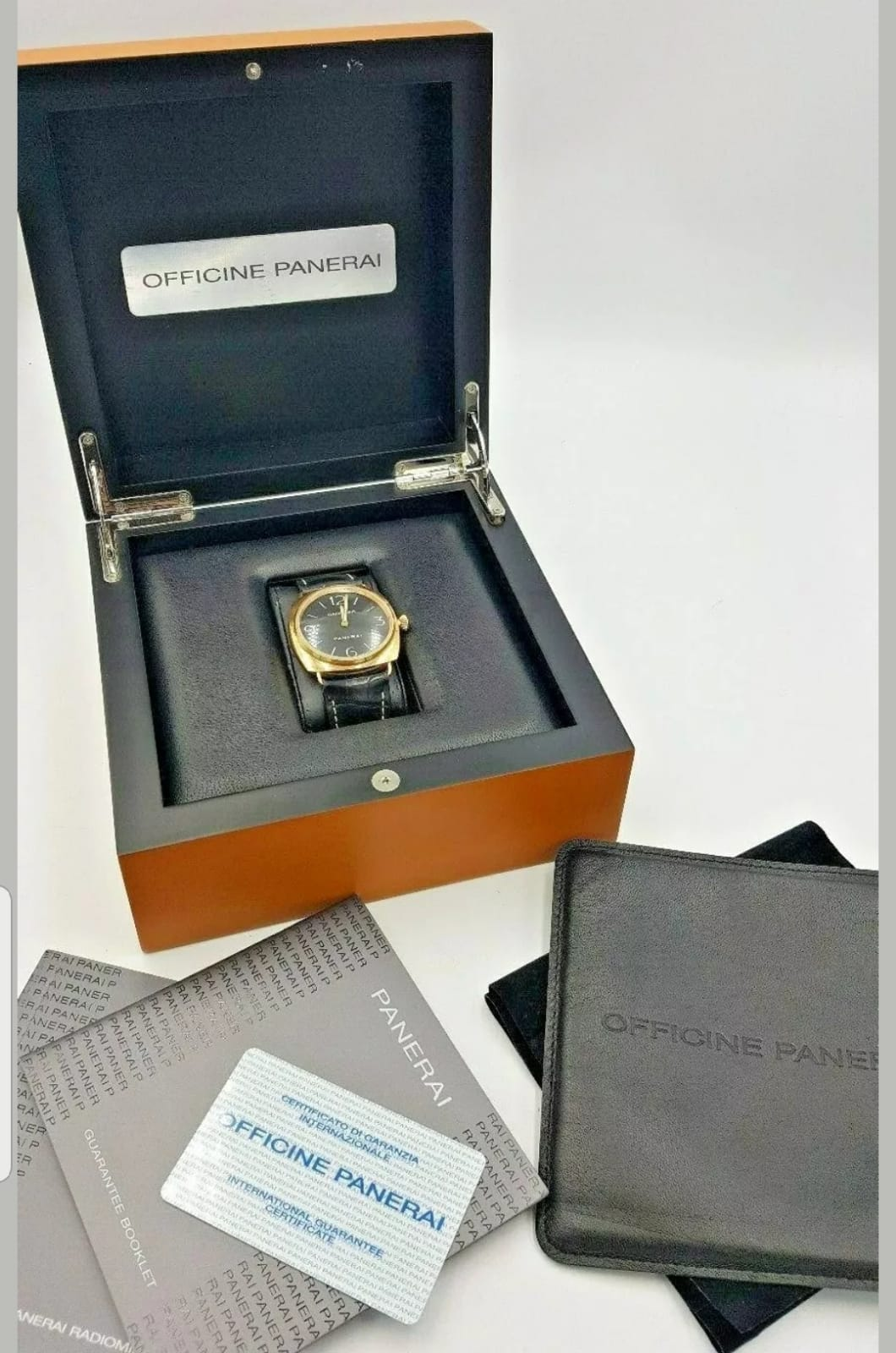 Lot 405 - A limited edition of 500 18ct gold Panerai Radiomir PAM 231 model gents wristwatch with box & paperw