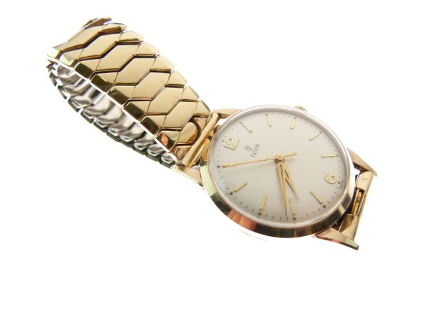 Lot 19 - Gentleman's 9ct gold wristwatch, with champagne dial, signed 'Tudor', gilt hour markers, centre