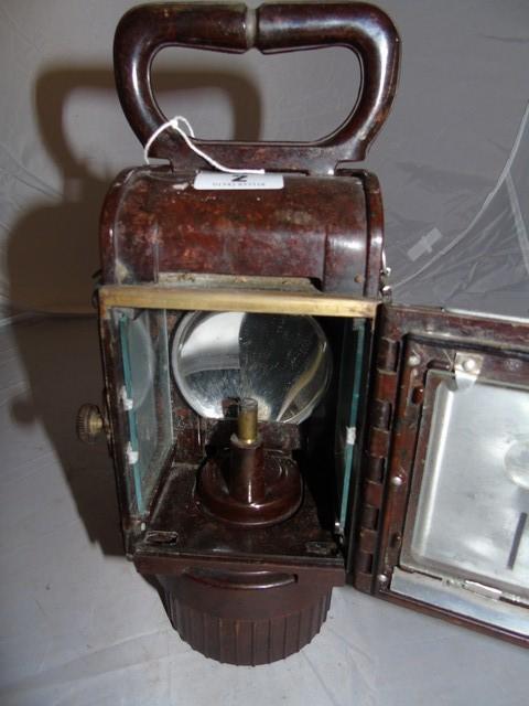 Lot 2 - GERMAN BAKELITE CARBIDE RAILWAY LAMP EST [£20-£40]