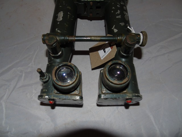 Lot 4 - WW2 BRITISH ARMOURED FIGHTING VEHICLE BINOCULAR PERISCOPE A.F.V.MARK 1.0.9.1458GA EST [£60-£120]