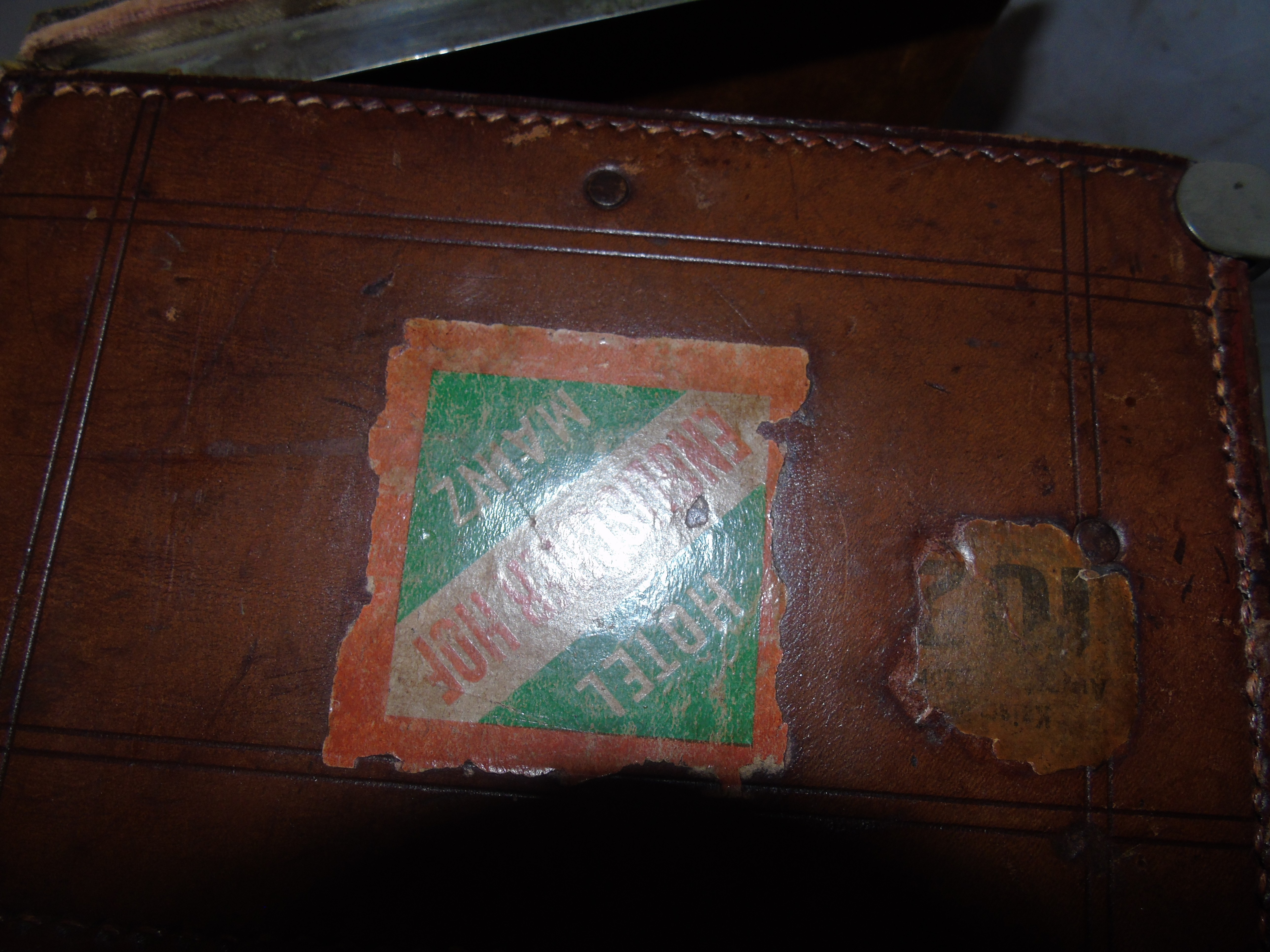 Lot 32 - VINTAGE LEATHER DOCUMENT CASE WITH NICKLE PLATED FITTINGS EST [£20-£40]